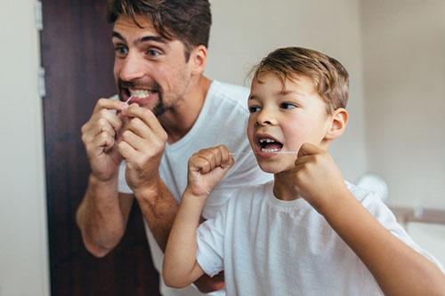 子供にデンタルフロスをする時の注意点